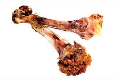 Los huesos de pollo rompen los intestinos del perro